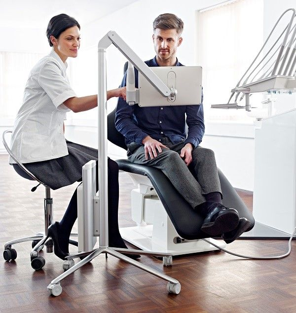 3Shape TRIOS MOVE scanner in clinic