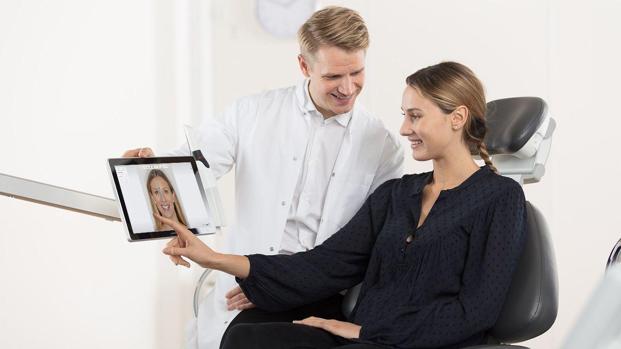 Verwendung der Smile Design-App in Praxis